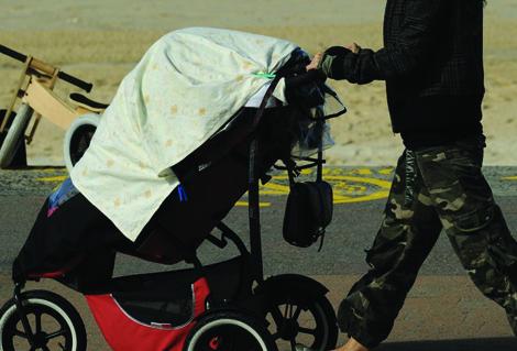 Ne couvrez plus la poussette de bébé avec un linge !