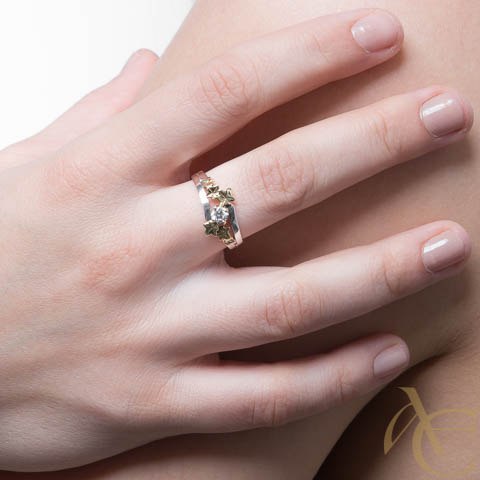 Nielor - or blanc - feuille or jaune - diamant - Solitaire
