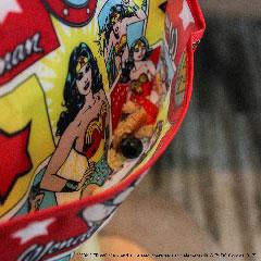 Pack de 2 super-bavoirs imperméables Wonder Woman